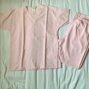 Other - Baby pink scrub set